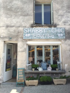 Shabby Chic in France too!