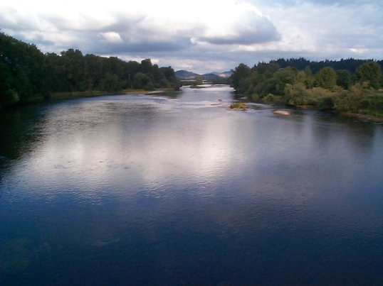 willamette-river-from-autzen-walking-bridge